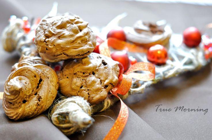 Happy #ValentineDay or #Chocolate #Meringue Kisses