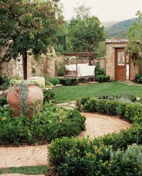 Tuscan House Style With Front Walkway And Italian Cypress: 25+ Best Tuscan Garden Ideas On Pinterest
