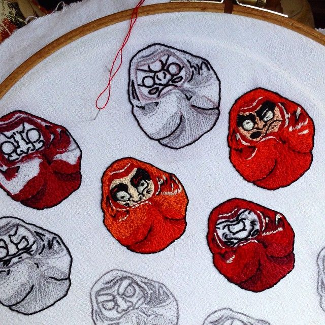 #daruma. ##kung-fu Master. #embroidery #handmade in #patch and in #brooch. for more information contact me.#mounshak