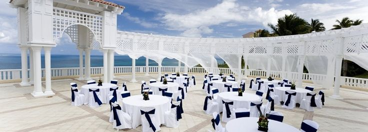 Host your next event in the tropical El Conquistador Resort.