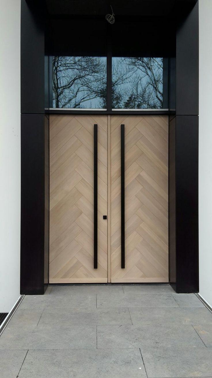 Herringbonestyle frontdoors Oak with 8 % whitewash www.houtz.nl