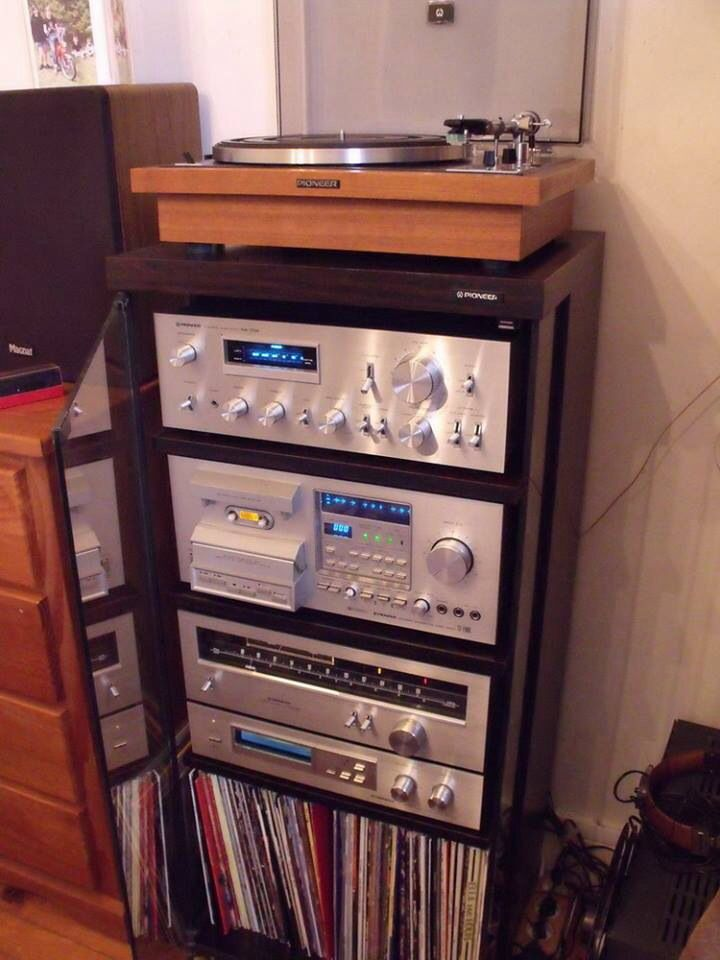 PIONEER vintage audio system...had several Pioneer components in my arsenal when I had more hair with less grey !