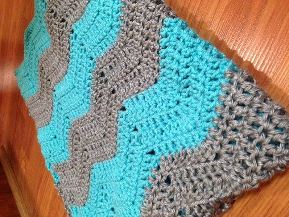Crochet Baby Afghan in Ripple (Chevron) Pattern