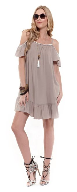 Earthy shades for your favourite off-duty ruffled dress!