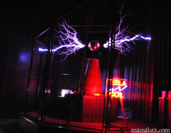 Tesla coil at science museum in hot springs travel pinterest tesla coil at science museum in hot springs travel pinterest tesla coil hot springs and science museum sciox Choice Image