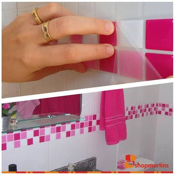 Adesivo colorido para pastilhas de banheiro é uma maneira simples de decorar o banheiro sem precisar gastar muito. O que achou?