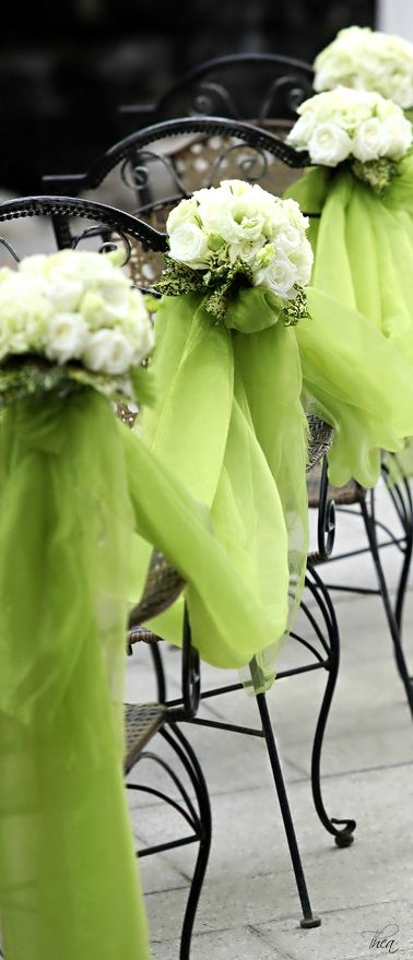 Wedding Aisle Black Iron Chairs Adorned With Chartreuse Green Tulle Flower Bouquets Toni Kami Hairstyles Hairstyle Ideas Lovely