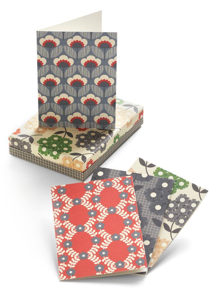 orla kiely always makes the cutest prints! love this stationery set!