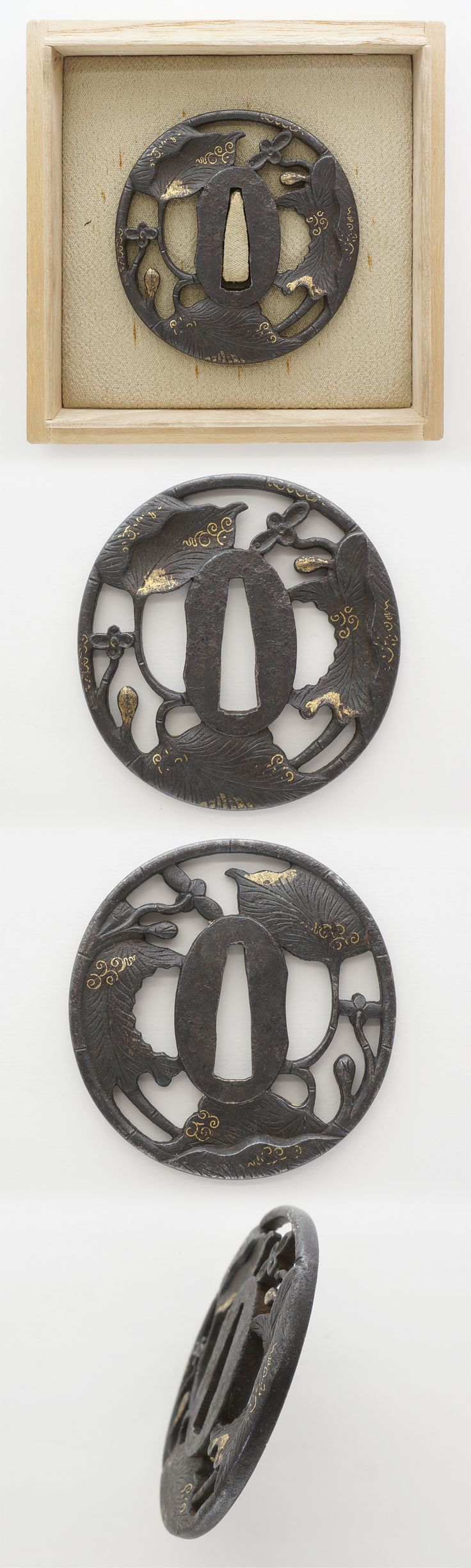 Ordering number : F15965 (Consignment sale) Tsuba: Mei (signature) : mumei(Unsigned) Length : 7.09 cm x 6.97 cm ( 2.79 inches x 2.74 inches) Thickness of rim: 0.40 cm ( 0.15 inches) Jidai(era) : Ed...
