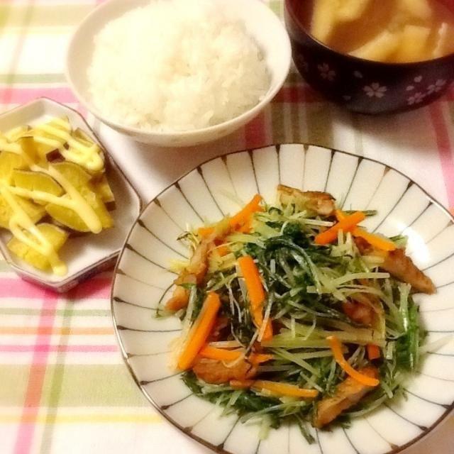 さつまいもと油揚げのみそ汁 サツマヨ 水菜炒め - 50件のもぐもぐ - 晩ご飯~♪(。・ω・。)ゞ by lilianhuang