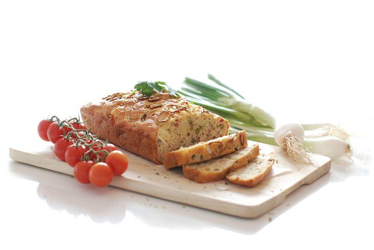 Delicioso Pastel de jamón, queso y guisantes. Son recetas que triunfan por donde pasan y que son de lo más sencillas de cocinar.