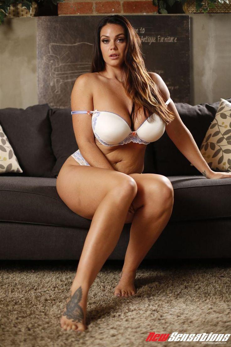 sexy sifi naked woman