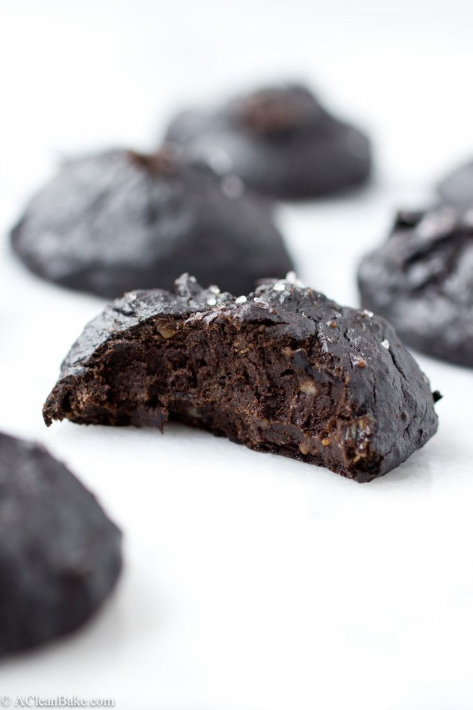 Fudgy 3-Ingredient Detox Cookies (Gluten-Free, Dairy-Free, Sugar-Free, Whole30, Paleo, Vegan)