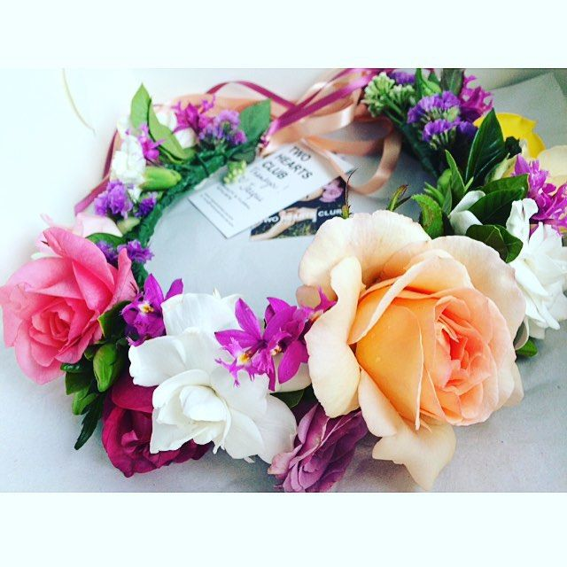 Flower Child  Custom made @twoheartsclub Flower Crown for Natalie  We hope you have a wonderful Baby Shower Celebration today!! Styled by @piccoloandpoppi