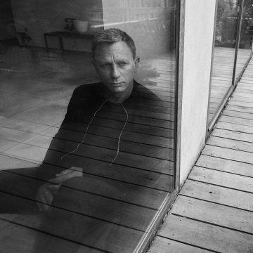 Daniel Craig Is Esquire's October Cover Star