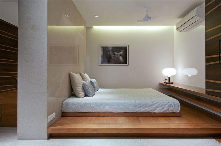 Weißes Schlafzimmer mit Tatami Bett einrichten