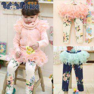 2013 autumn korean version of the new childrens clothing baby girls floral lace culottes leggings long pants 6624 only $8.45USD a Piece