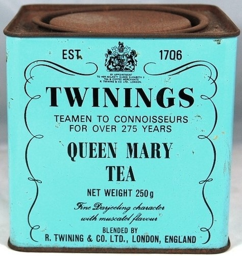 vintage tin. It proves I'm the queen of my home