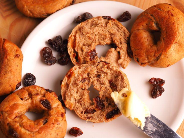 Sugar-free cinnamon and raisin bagels - The Sugar-Free Baker