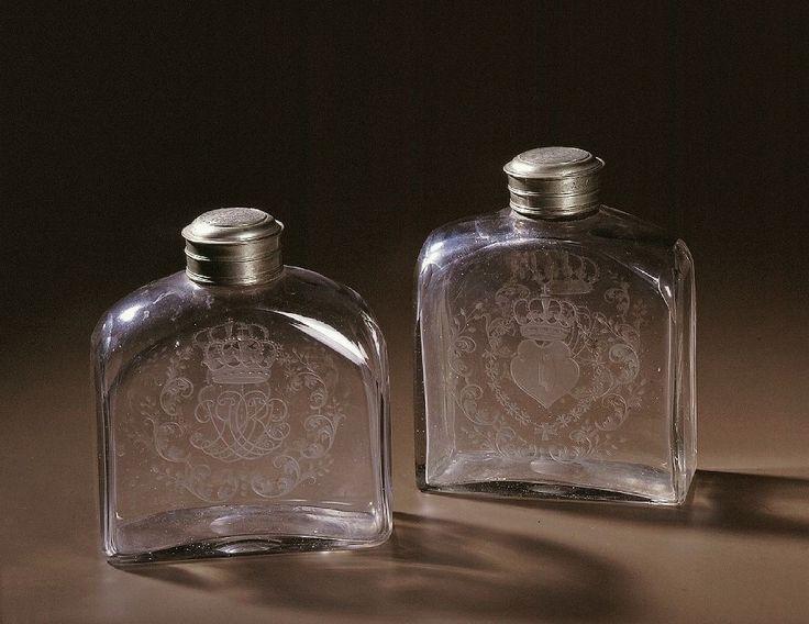 Crystal casket bottles from a set of 6 of Prince Konstanty Sobieski by Crystal glass works in the Lubaczów district, 1718-1726, Muzeum Pałacu Króla Jana III w Wilanowie