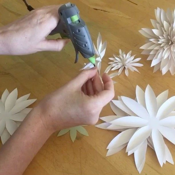 "149 Likes, 1 Comments - Felicity Cook (@felicitycook.co) on Instagram: ""After learning some paper flowers for my wedding, I also started to develop some of my own! Part of…"""