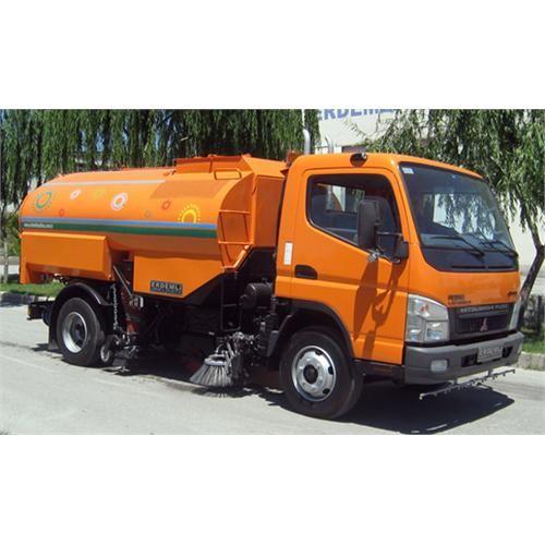 Mitsubishi Elliptical Tank Vacuum Road Sweeper