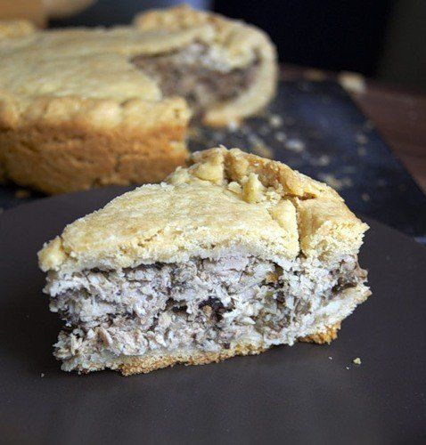 Pie with chicken and mushrooms