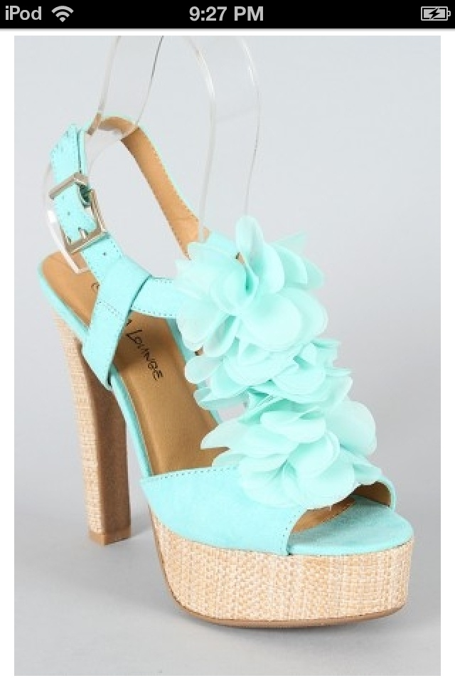 mint green colored shoes 신발 신발