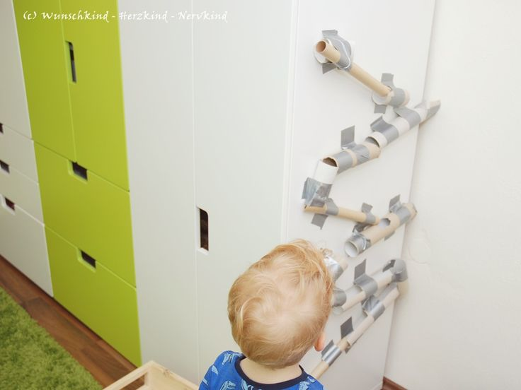 Wunschkind - Herzkind - Nervkind: Eine Murmelbahn aus Papprollen
