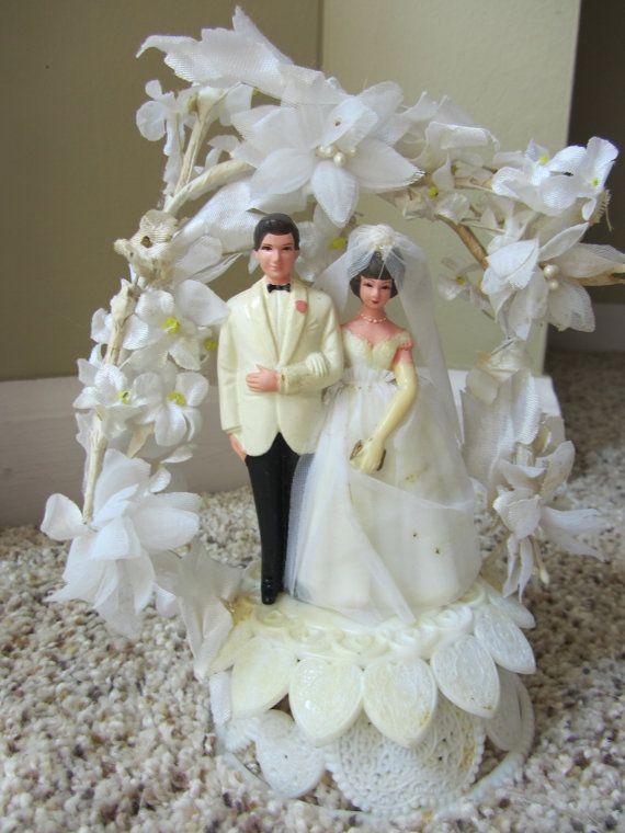Vintage Cake Topper Caketopper Wedding Bride Groom 1960s Floral Arch