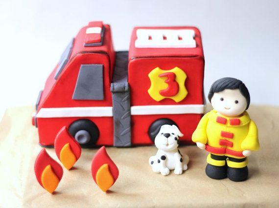 Torta de fondant Firetruck Set  camión de bomberos por LesPopSweets