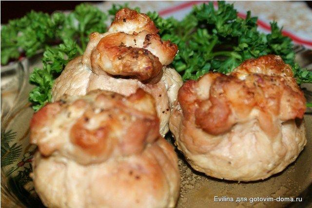 Мешочки с грибами и сыром