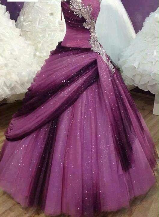 Vestido de quinceañera combinación de morados