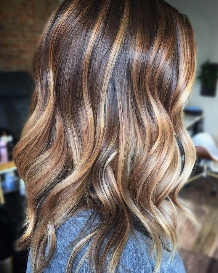 Dimensional brunette balayage