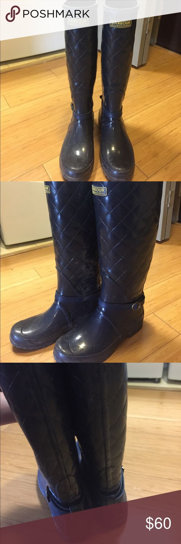 Barbour international navy rain boots Purchased in London Barbour boots for the rain knee height U.K. Size 5 only worn 2 times I am a 9 and these shoes seem to be around a US 8.5 Barbour Shoes Winter & Rain Boots