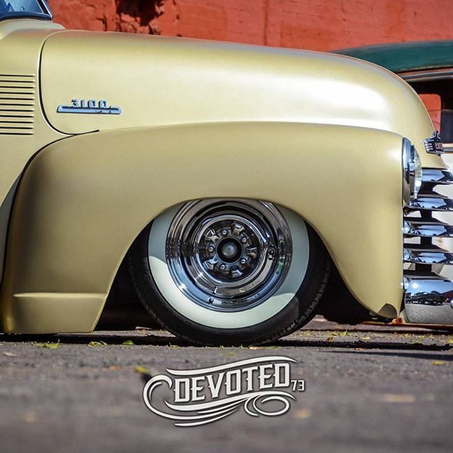 1950 Chevy 3100 Pickup On Chrome Rims Gangster White Walls Camionetas Chevy Camionetas Automoviles