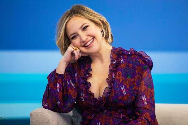 Kate Hudson On Her Genderless Parenting Approach Kate Hudson Pregnant Celebrities Image Mom