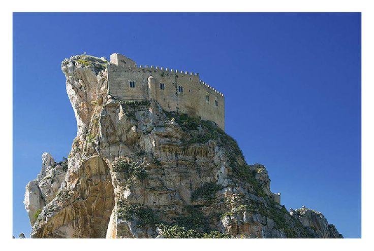The Castle of Mussomeli - Mussomeli, Caltanissetta #enna #sicilia #sicily