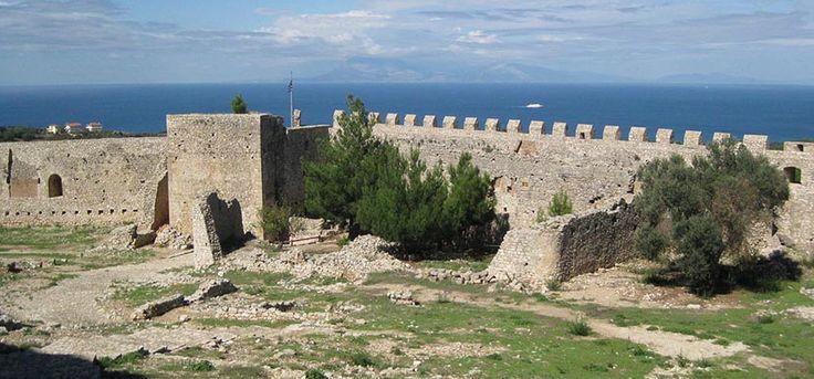 Chlemoutsi, el enorme castillo del Peloponeso - http://www.absolutgrecia.com/chlemoutsi-enorme-castillo-del-peloponeso/