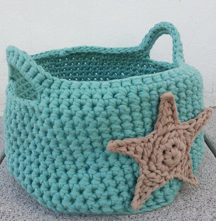 cesto y estrella de trapillo by http://ladymaryan.blogspot.com.es/