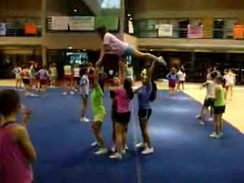 Varsity Pyramid Stunt - YouTube