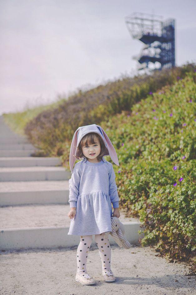 """Vestido de niña """"Conejo"""" - DRESS RABBIT - hecho a mano en DaWanda.es"""