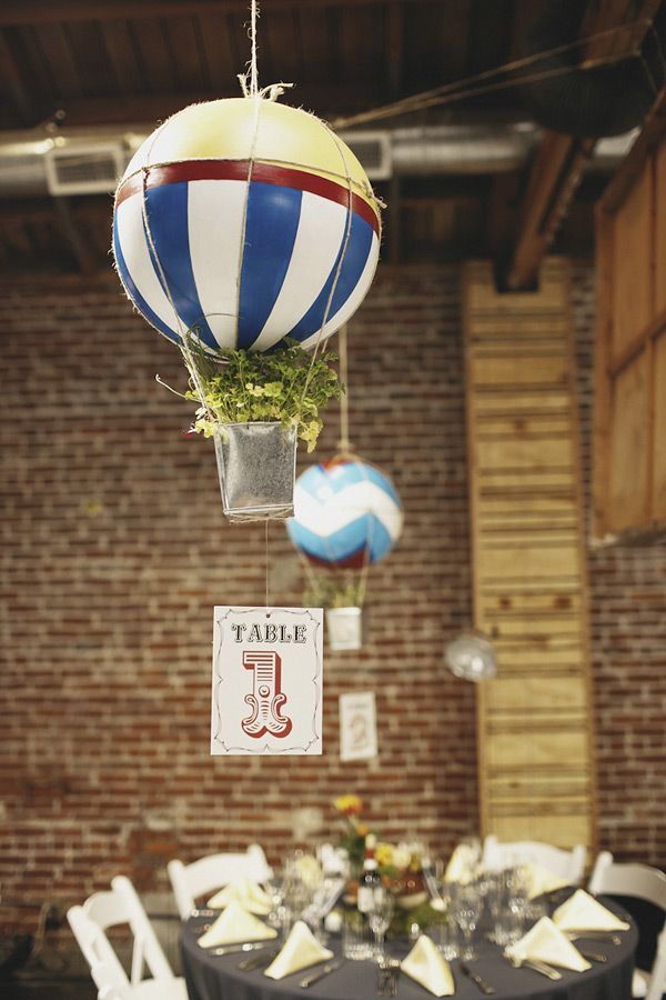 DIY hot air balloon, this will be so cute for the toy room