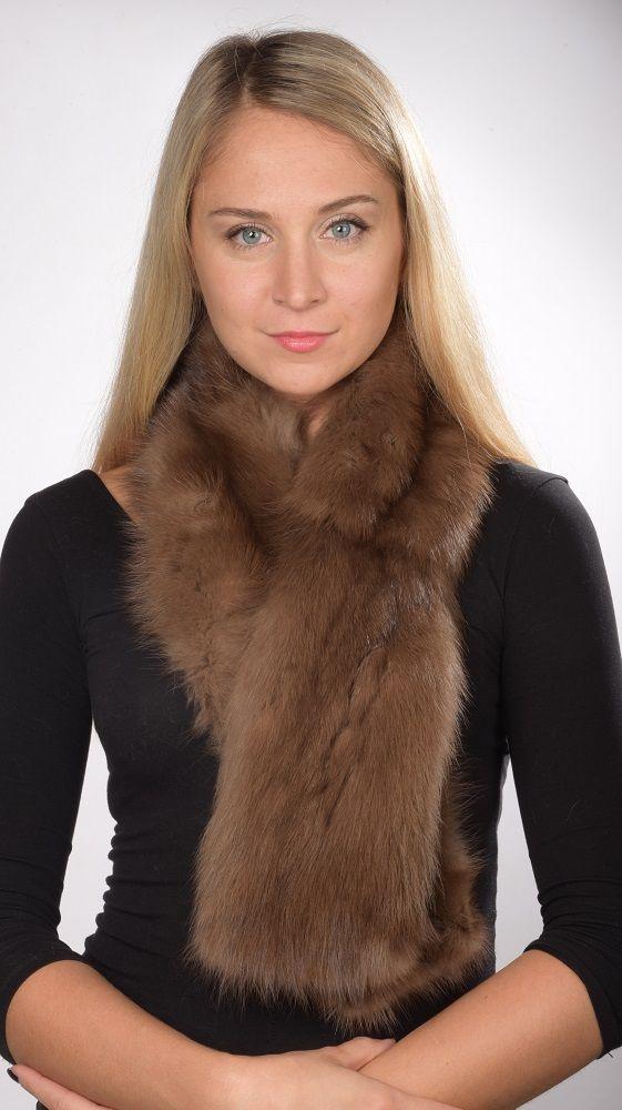 Soffice e pregiata sciarpa in pelliccia in autentico zibellino naturale. Lavorato a mano artigianalmente in Italia.  www.amifur.it
