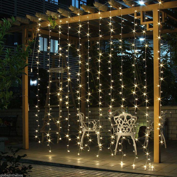 Bérelhető fényfüggöny esküvőre, meleg fehér színben.A fényfüggöny kültéri szigetelésű, így egyaránt lehet kül- és beltéren használni.