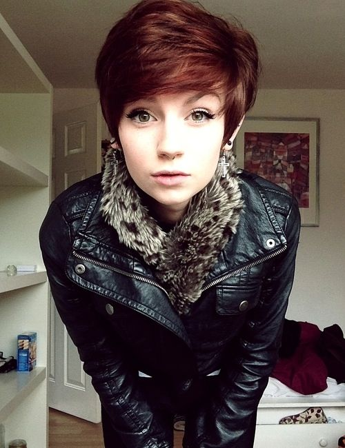I LOVE this short, hipster-like hairstyle!