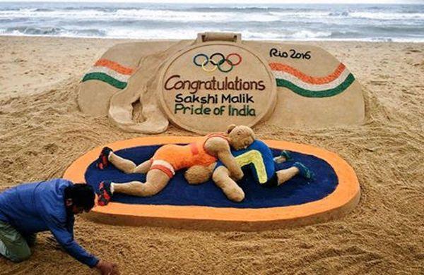 Congrats wrestler #SakshiMalik on #Rio2016 #Olympic win. Sand art by Sudarsan Pattnaik.