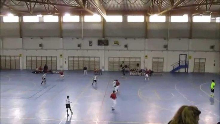 Partido de fútbol sala cadete temporada 2014/2015 fase B, entre los equipos de Oroquieta Espinillo y Distrito 21, con el resultado final de 4 a 1 a favor de Oroquieta Espinillo.