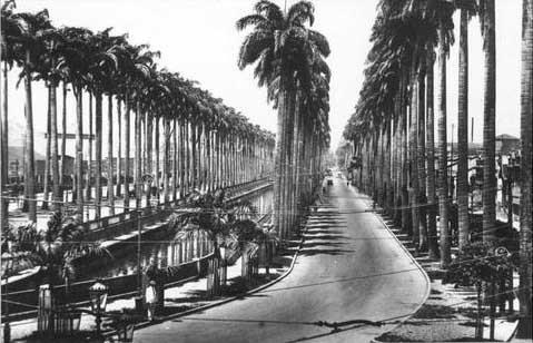 Canal do Mangue, Centro, em 1925. O canal teria como objetivo secar um enorme pântano existente próximo da Cidade Nova, que era um foco de doenças, mosquitos e exalações desagradáveis. Rio de Janeiro - Brasil.