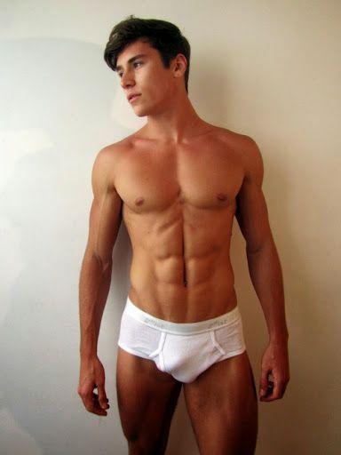 gigolo gay uomini italiani nudi